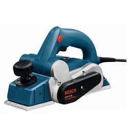 Comprar Plaina elétrica profissional 600 watts 82mm - GHO 15-82-Bosch